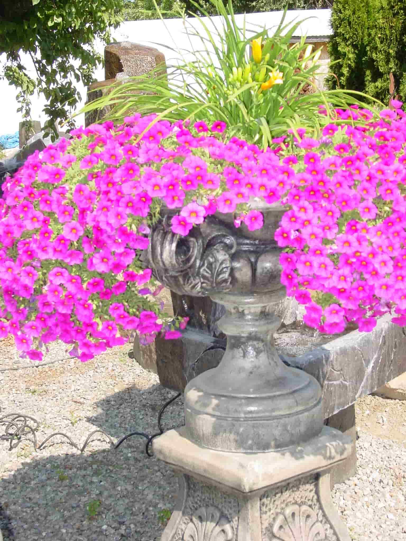 Concrete Works Statuary Inc Florentine Urn